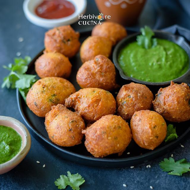 Jowar Vada with cilantro chutney