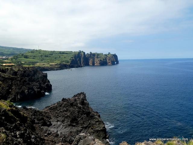 acantilado con forma de elefante Azores