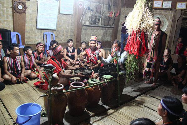 Nét đẹp lễ hội Mừng lúa mới của đồng bào Giẻ Triêng