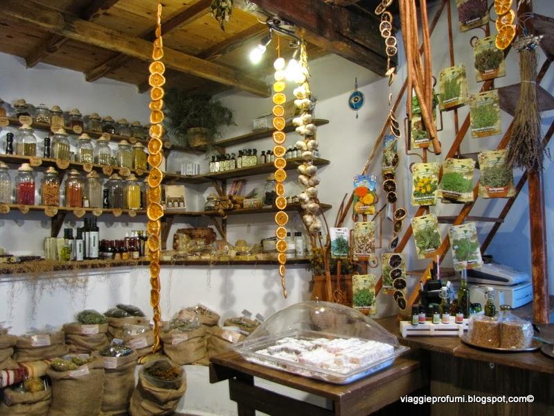 Erbe e spezie in vendita a Palià Alonissos
