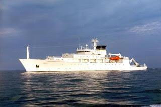 PANIK Kapal Perang China Ambil Alih Drone Selam Amerika karena Dianggap Berpotensi Bahaya - Commando