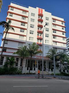 Generator Miami along Collins Avenue