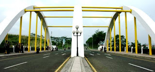 jembatan tiga