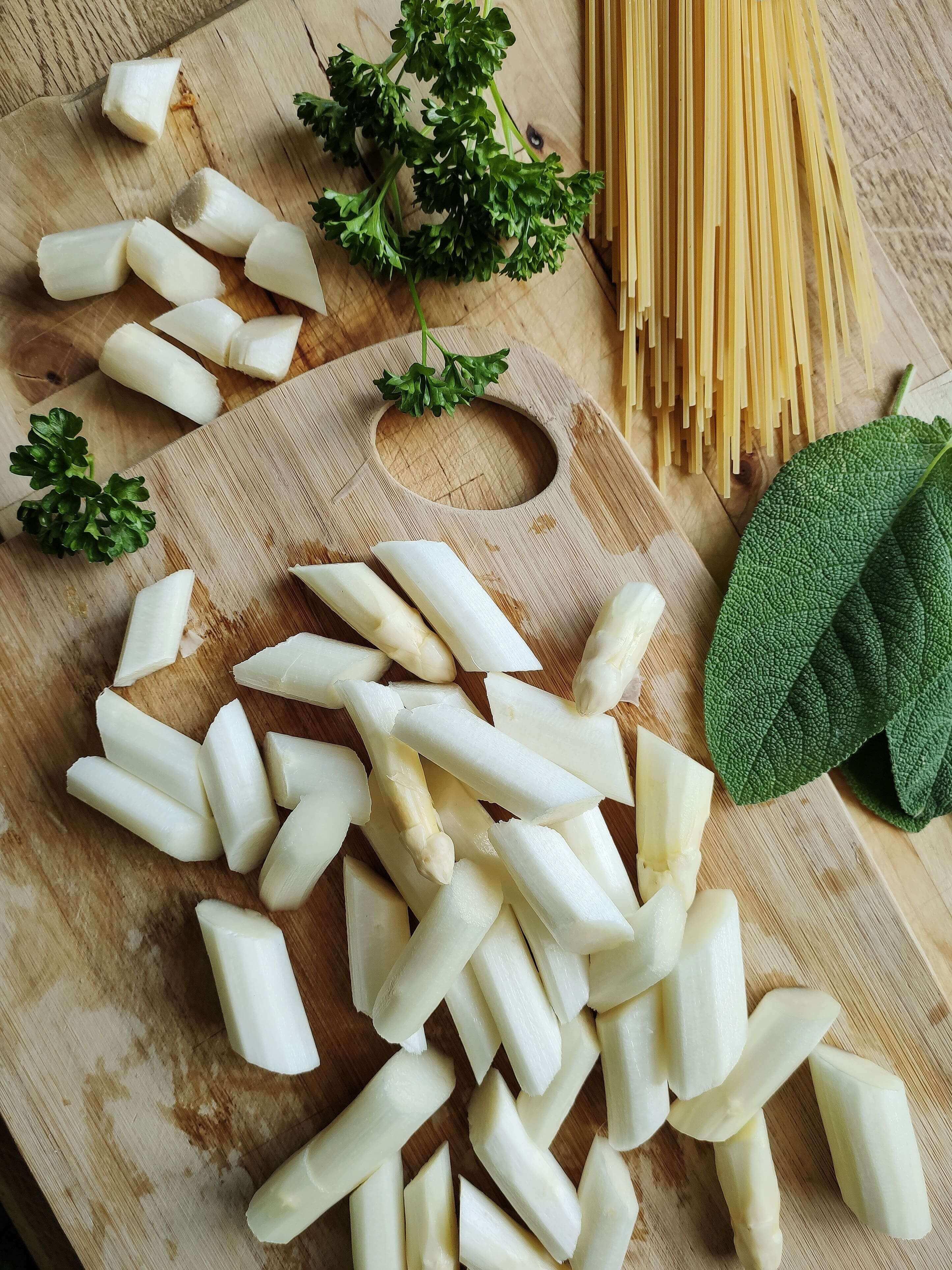 Schnelles Rezept für Pasta mit Salbei und Spargel -sehr lecker