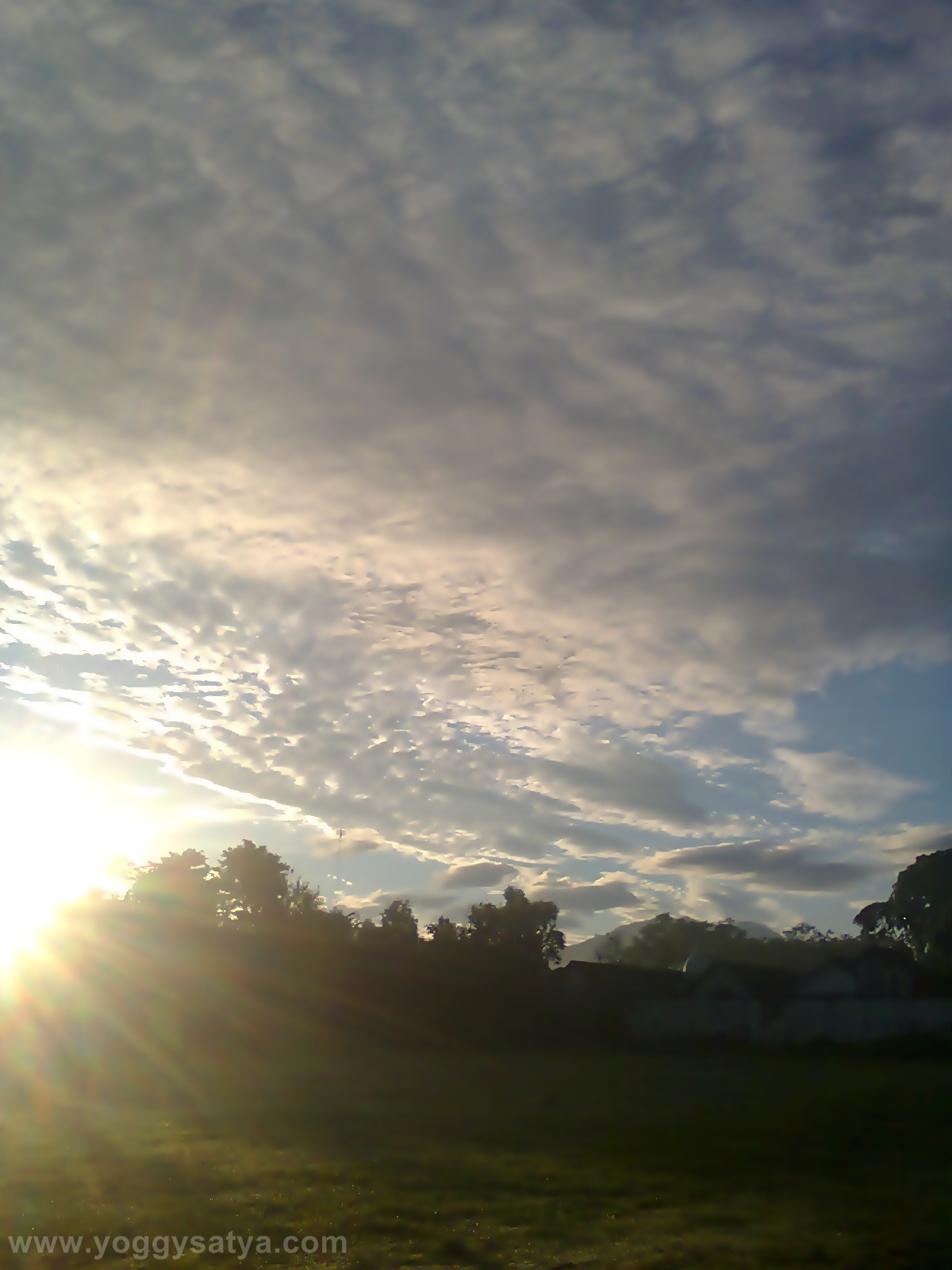 Awan di Pagi Hari