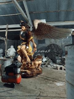 patung- malaikat-mikael