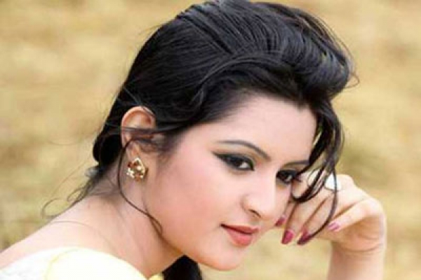 The-most-beautiful-heroine-dhallywood-parimani