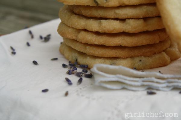 Lavender Shortbread Cookies | www.girlichef.com