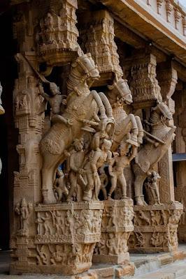 srirangam temple statue