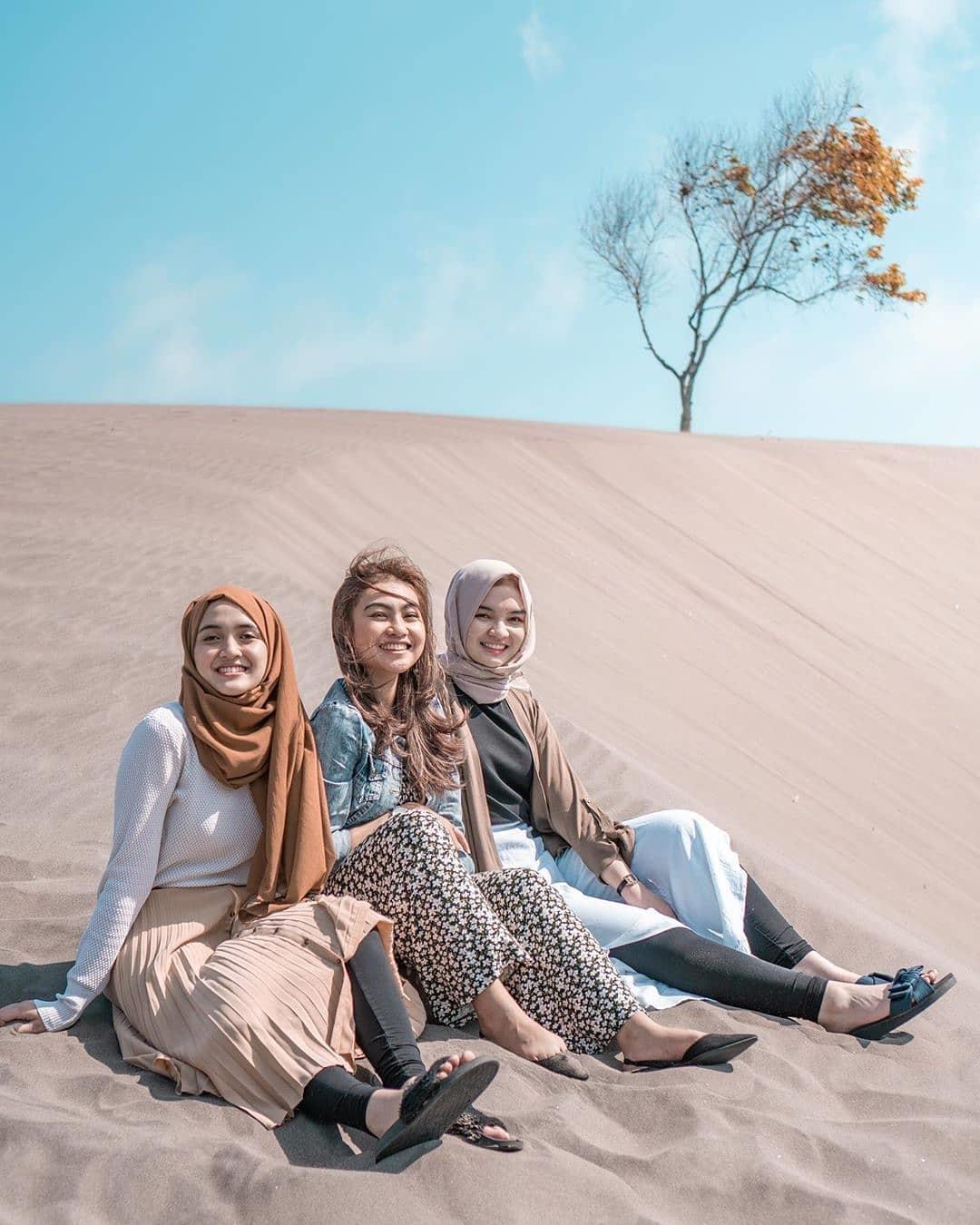 Harga Tiket Masuk Dan Lokasi Gumuk Pasir Parangkusumo Jogja Terbaru Wisata Oke