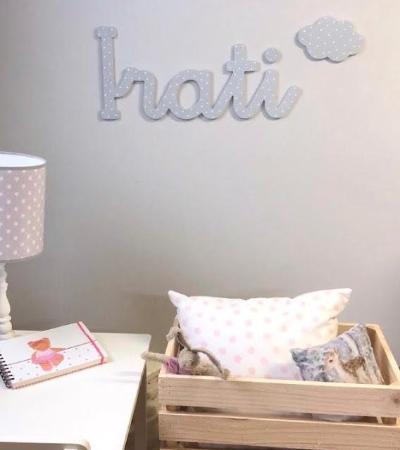 nombre  de niña  IRATI  para pegar en la pared , decoración infantil