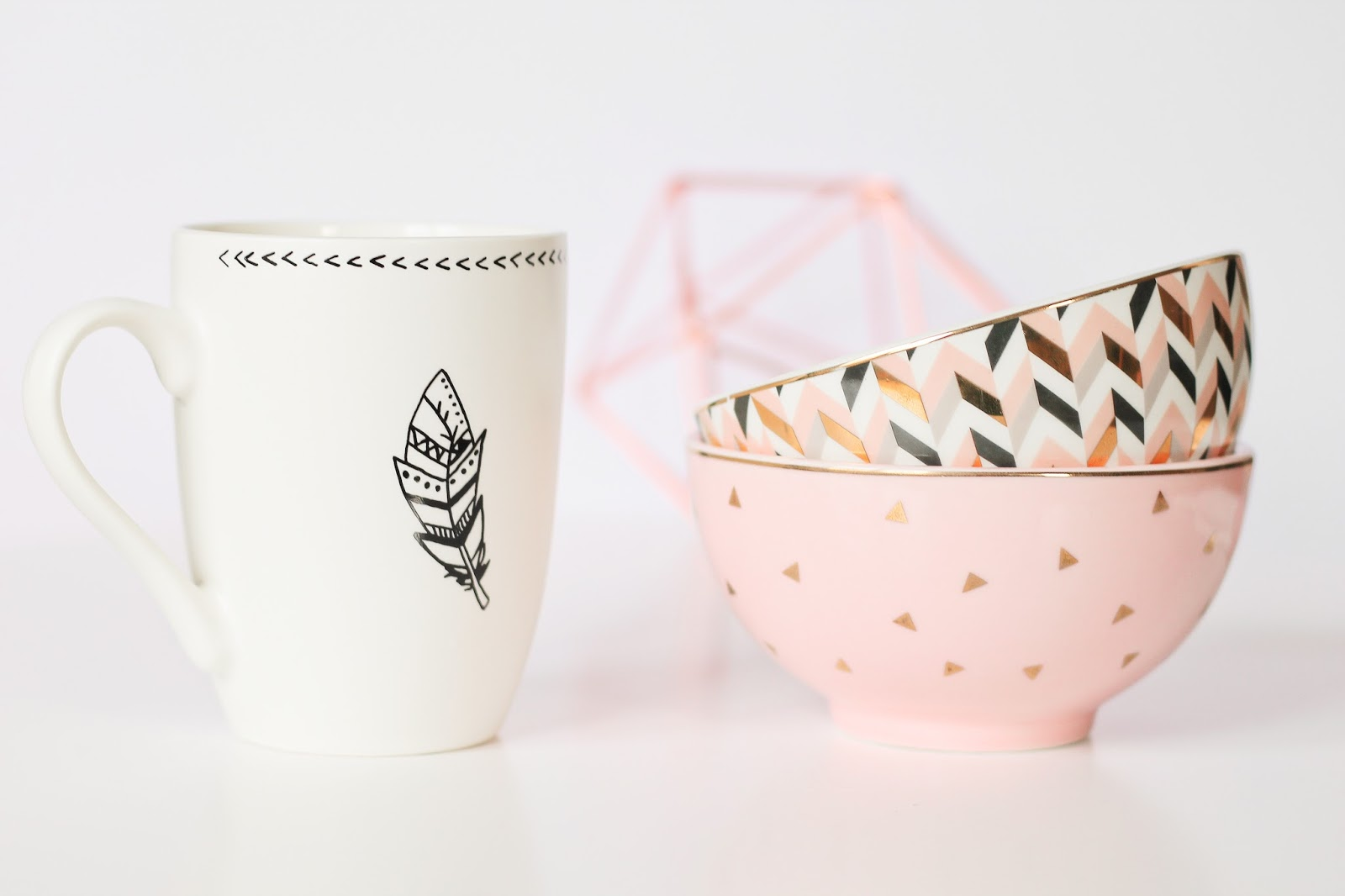 les gommettes de melo haul video shopping achat maisons du monde déco decoration home maison intérieur soldes hiver 2017 rose gold cuivre tendance scandinave blanc épuré mug tasse fleche bol hello madame rose triangle dore chevrons nouvelle collection