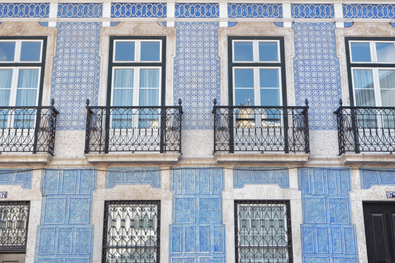 Façade décorée d'azulejos à Lisbonne au Portugal