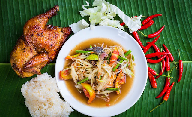Gai Yang with Khao Niao – Cơm nếp và gà nướng