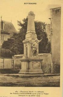 CPA monuments aux Morts du Puy-de-Dôme, Aigueperse