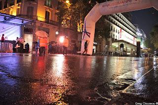 Boulevard Haussmann sous la pluie parisienne