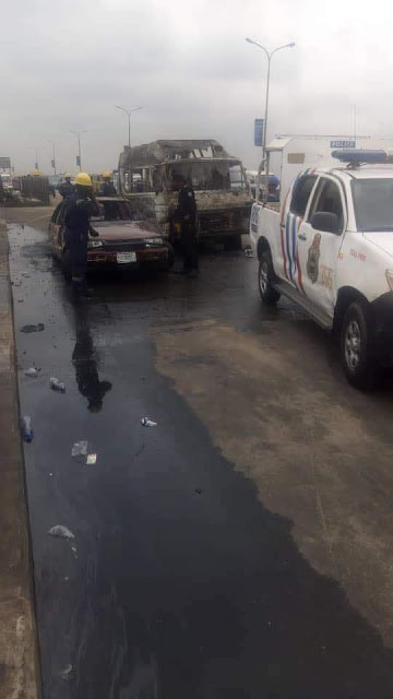 Photos: No loss of life as fully loaded commercial bus catches fire on Third Mainland bridge