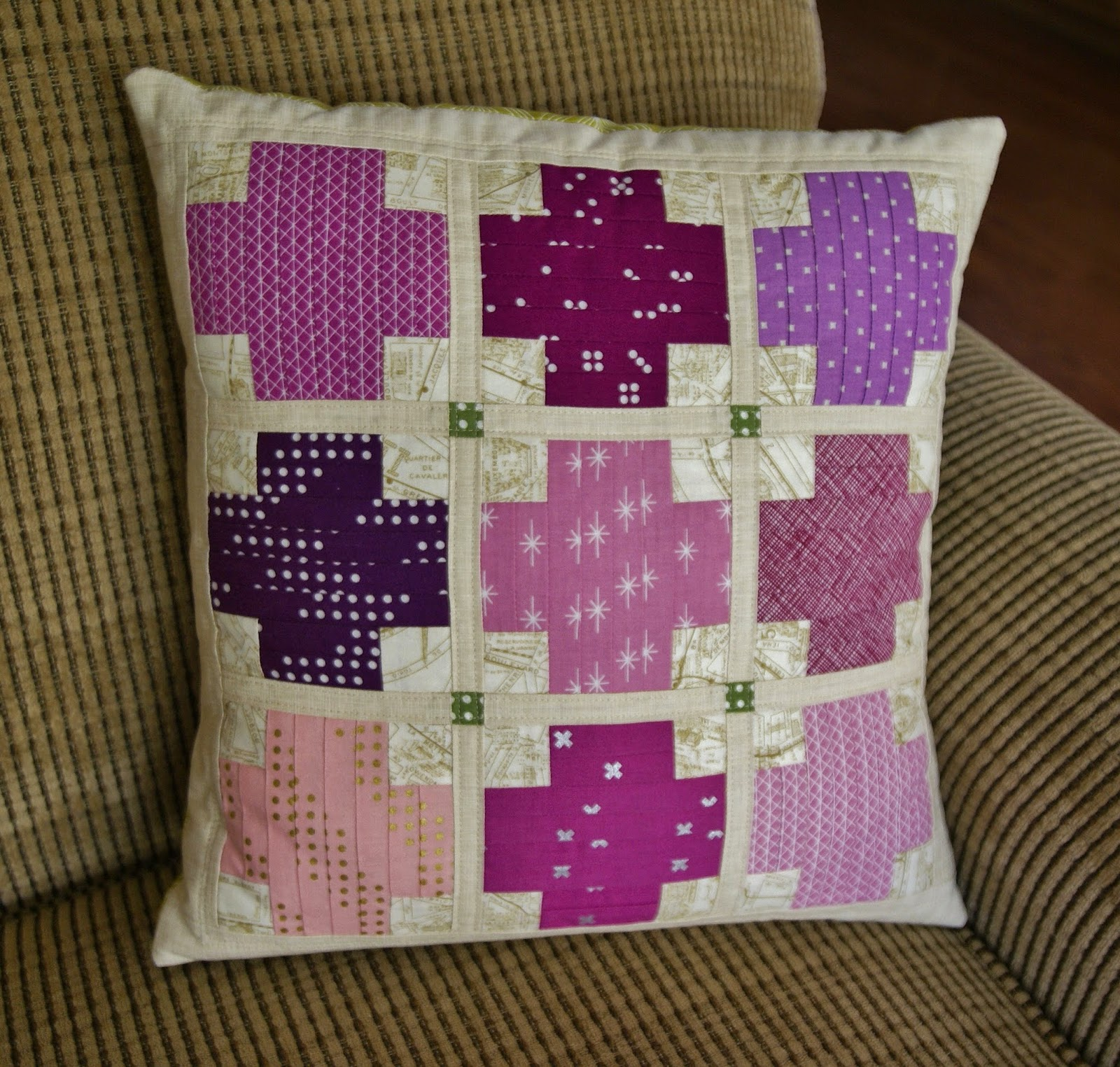 Quilt Color Workshop Parquet Pillow by Heidi Staples of Fabric Mutt