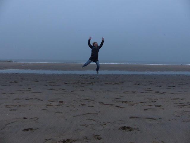 Katwijk aan Zee Holland Niederlande Ausflug Geburtstag Geschenk Gutschein Drachensteigen Meerblick Schnee Strand Meer Kurzurlaub Zeit Freundinnen