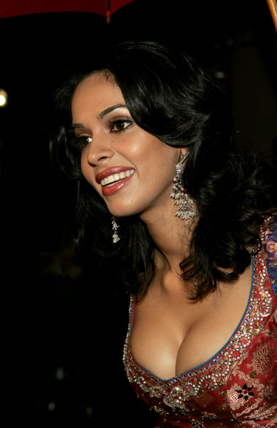 Malika Serawat Hot Sexy Photos