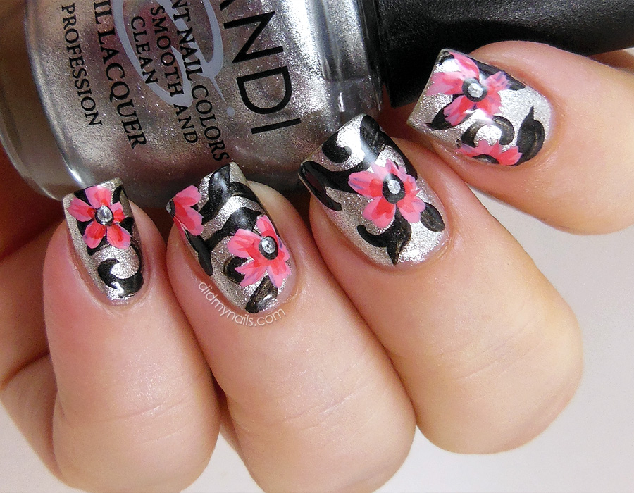 Fashionable Black and Silver Nails Design | Nail Art Designs