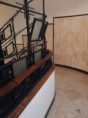 corrimão de escada em art deco
