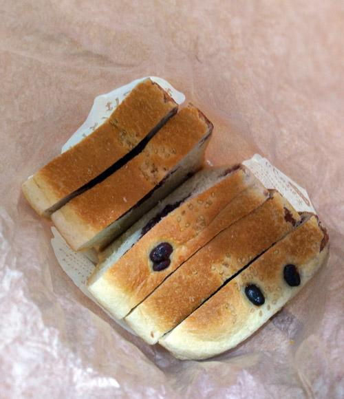 あんこはもうたくさん!あんこ中毒な太っちょ王様のあん食パン