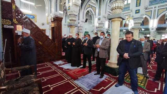 محافظ البحيرة يفتتح مسجد التوبة بدمنهور بعد تجديده بتكلفة ٢ مليون جنية .