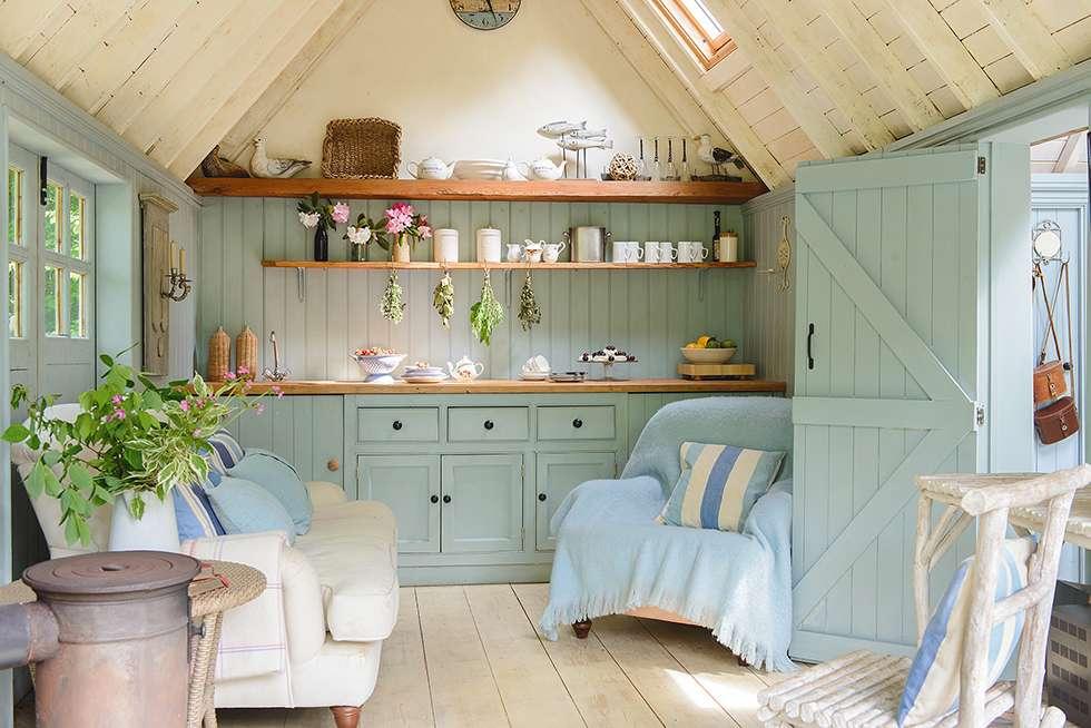 beach house garden room