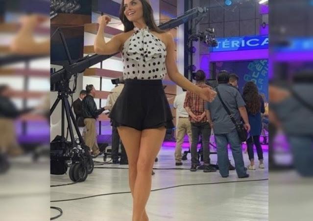 Aire le juega mala pasada a Marisol González con su vestido y se lo lev@nta
