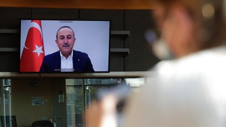 """Τσαβούσογλου: Η Ελλάδα παρενοχλεί την """"τουρκική"""" μειονότητα της Θράκης"""