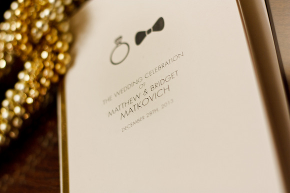 This wedding booklet is classic with neutral colors.