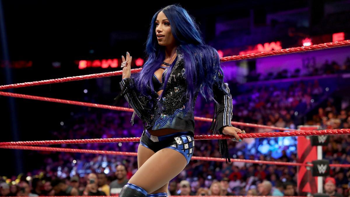 Sasha Banks retorna durante o WWE SmackDown