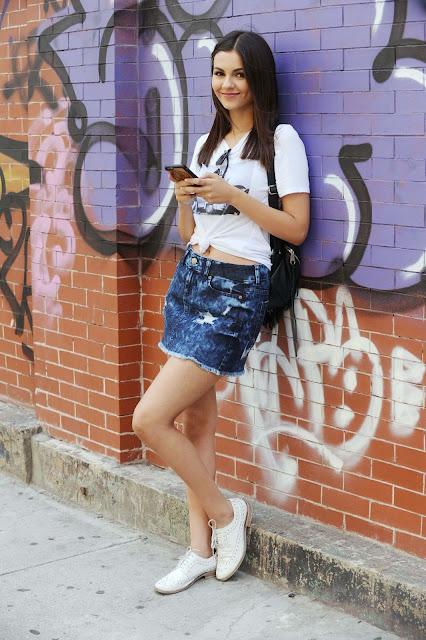 Victoria Justice in Mini Skirt