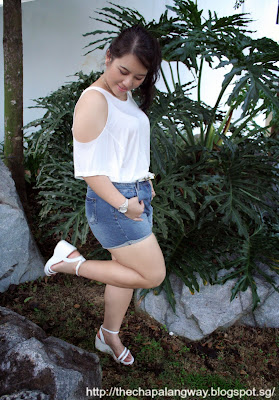white tee, styling white shirt, pairing printed pants, fashion statement, plus size fashion, casual style, cold shoulders, ootd, sunday style showdown