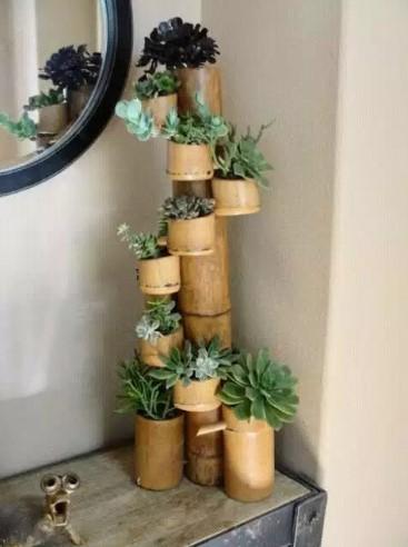 Kerajinan Pot Tanaman dari Bambu