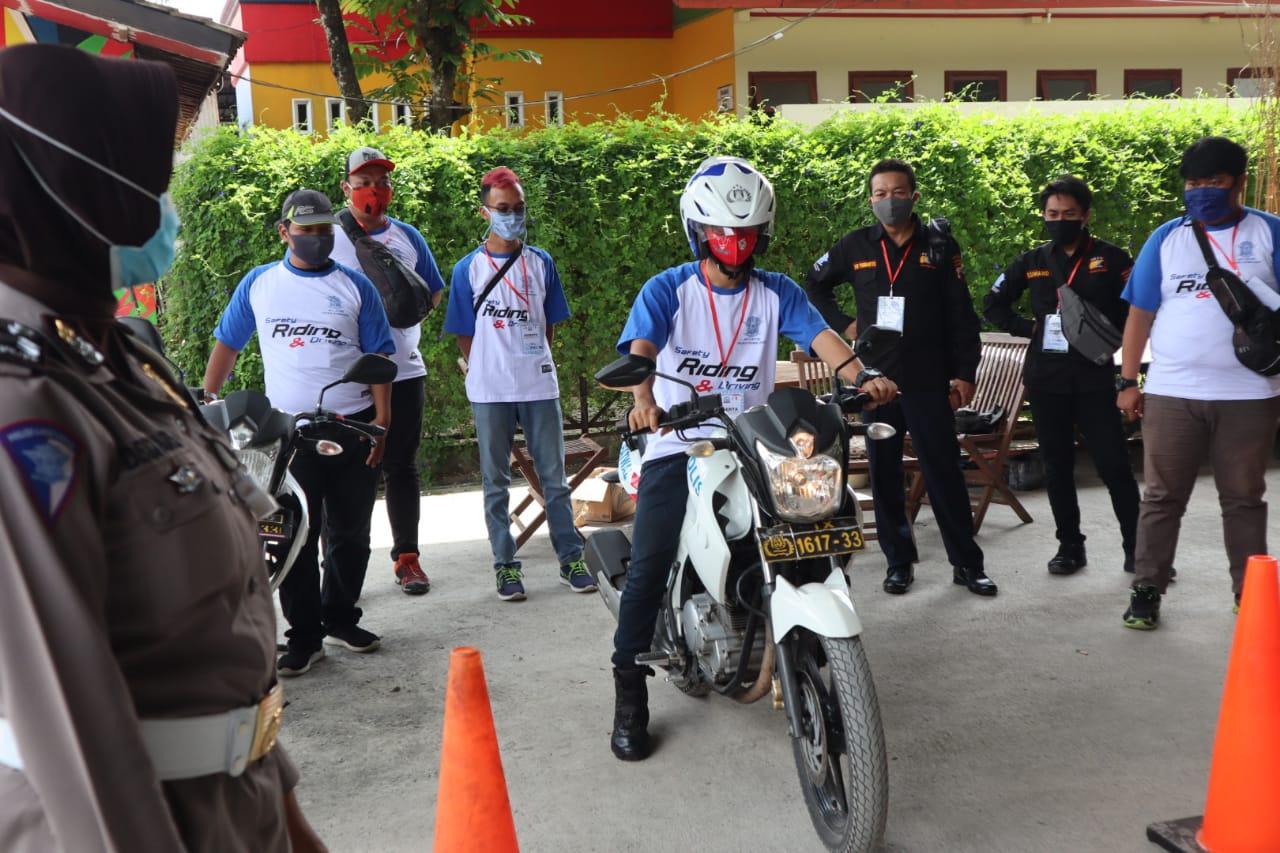 Satlantas Polres Purbalingga Gelar Pelatihan Safety Riding