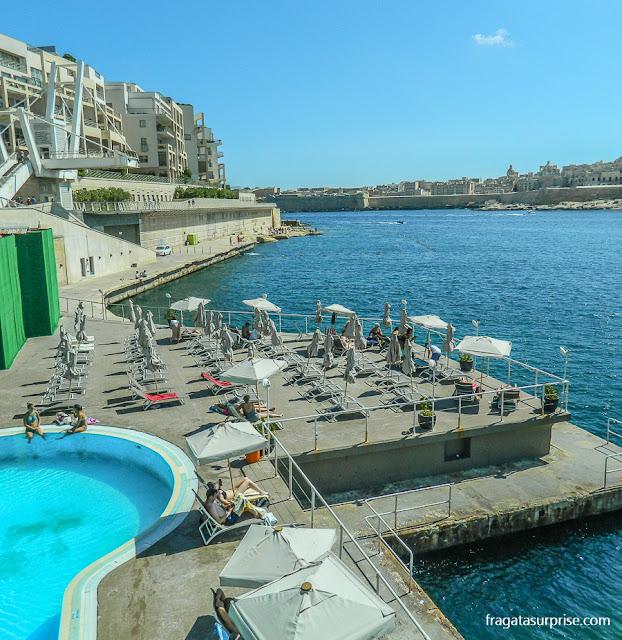 Beach club em Sliema, Malta