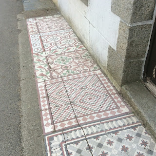 Renovation project - Decorative footpaths in France