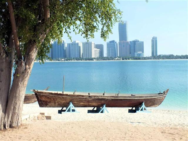 Qué ver en una escala en Abu Dhabi