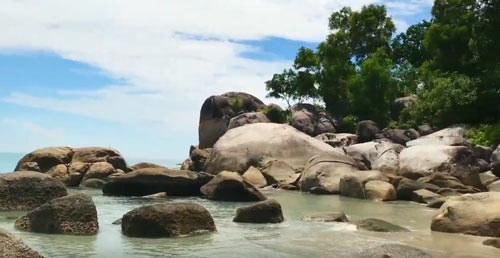 wisata pantai pulau bangka matras