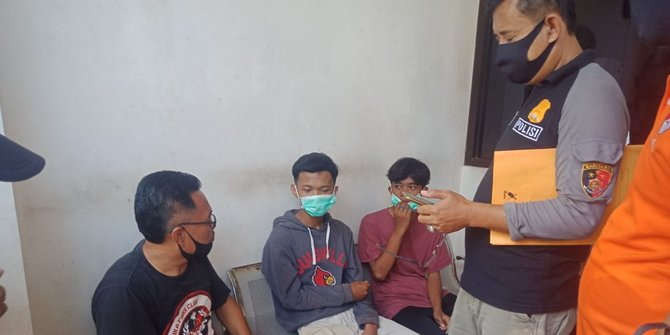 Pelajar SMK di Karawang Buntung Disabet Senjata Tajam Saat Tawuran