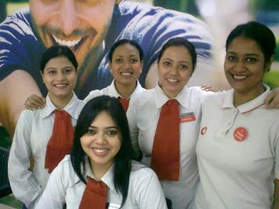 Nandita di,Ruby,Pameera,Rupa & Sulagna at Vodafone store dumdum