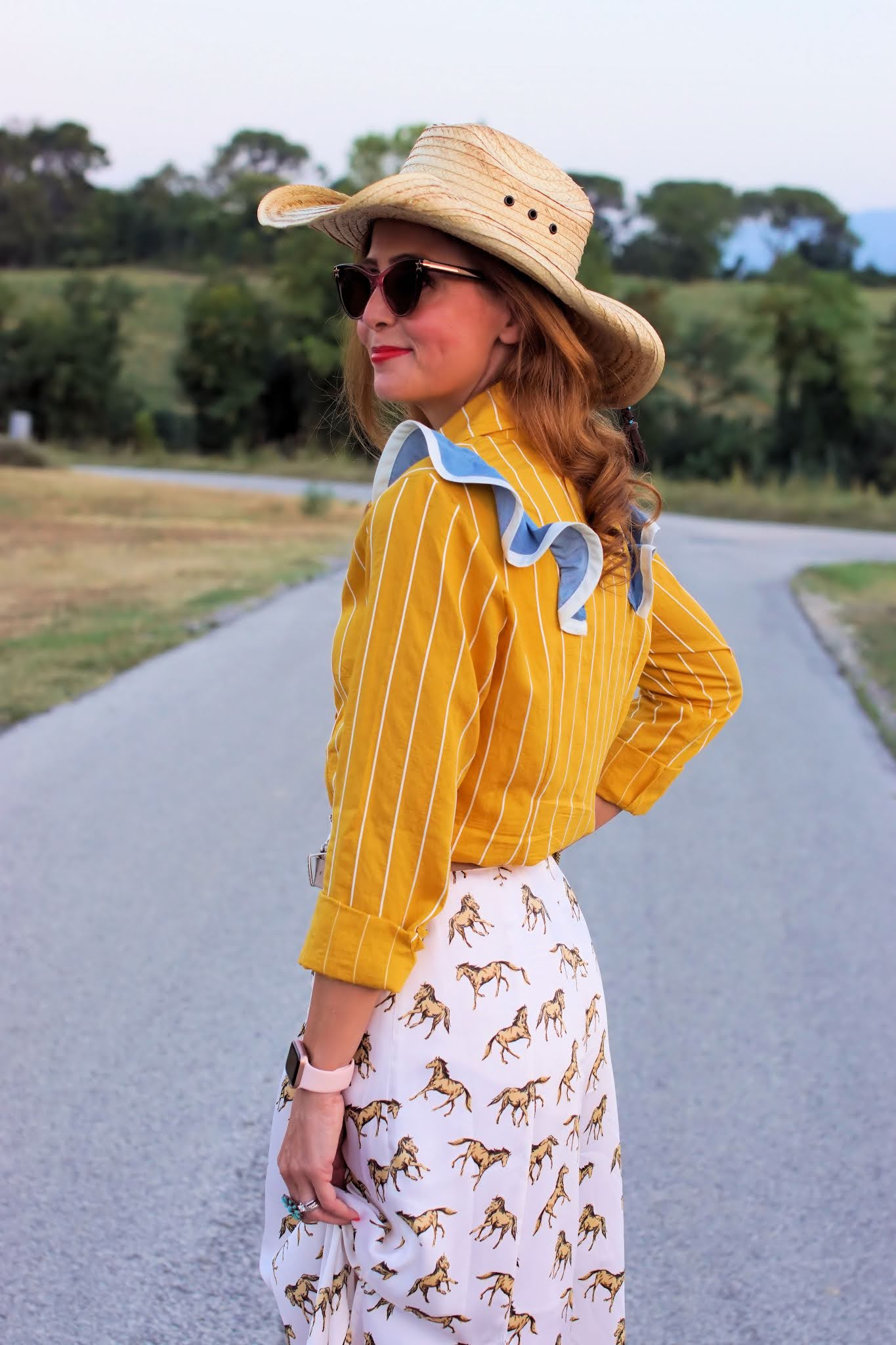 Yellow country outfit
