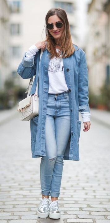 what to wear with a denim coat : printed top + bag + rips + boots