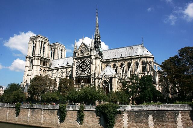 French travel icon affected by a devastating fire