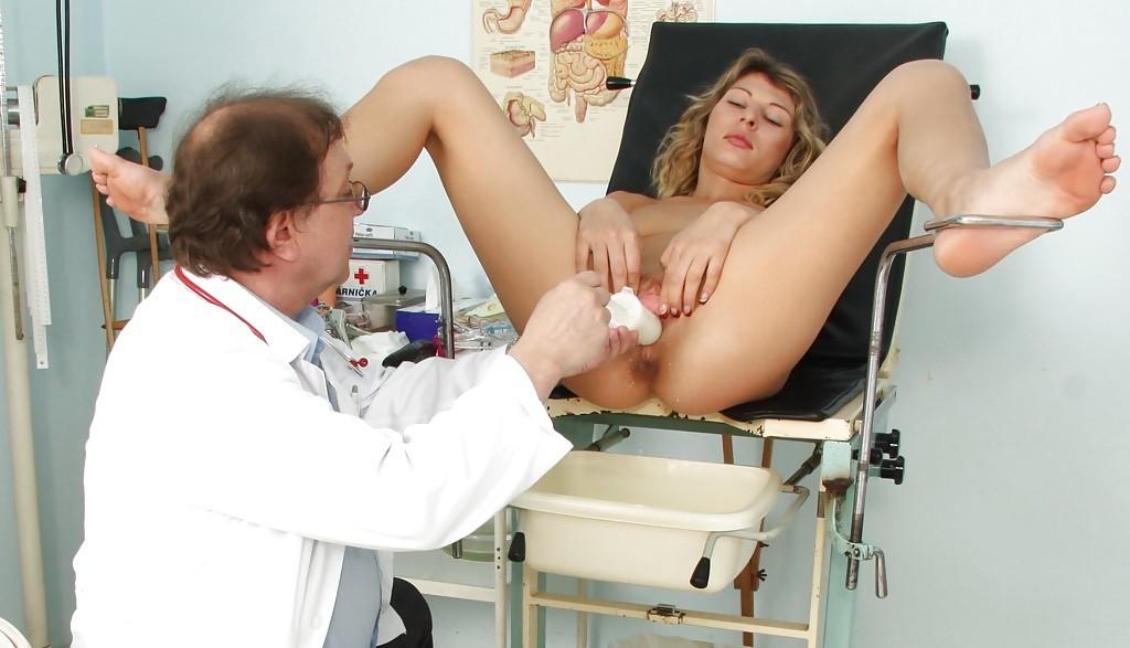 фото осмотра на гинекологическом кресле - 3