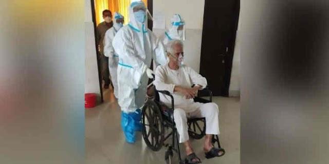 Sonowal takes look of former Assam CM Tarun Gogoi's health condition