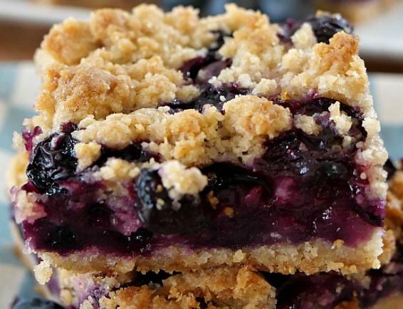 BLUEBERRY LEMON CRUMB BARS #desserts #cakes #lemon #blueberry #bars