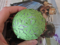 https://translate.google.es/translate?hl=es&sl=en&tl=es&u=http%3A%2F%2Fwww.diymaven.com%2F2009%2F03%2F23%2Fhow-to-make-a-paper-flower-ball%2F